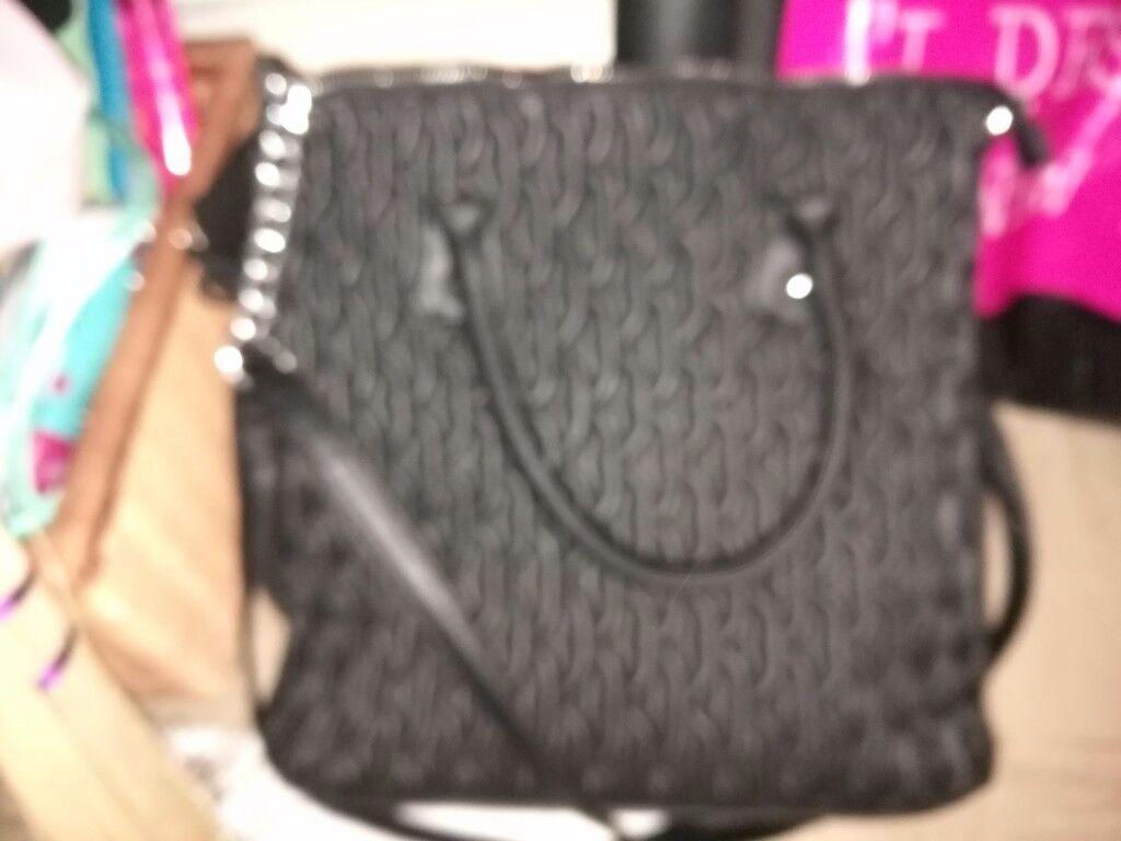 Stylish hand bag leather