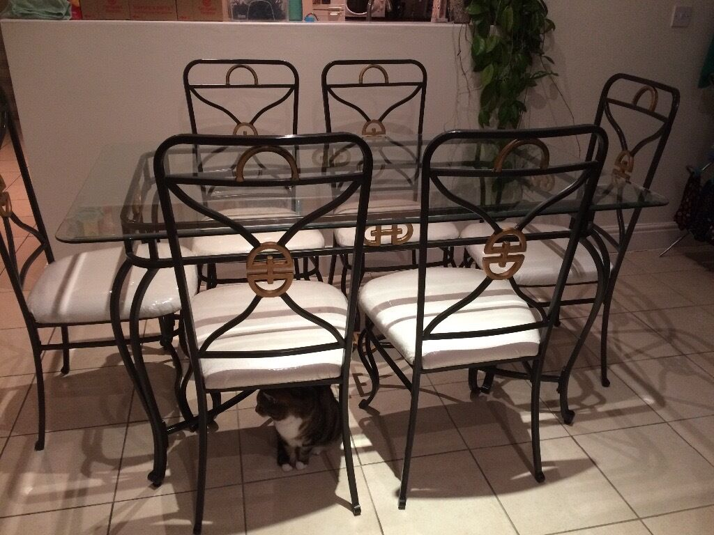 Dining table, 6 chairs & matching unit