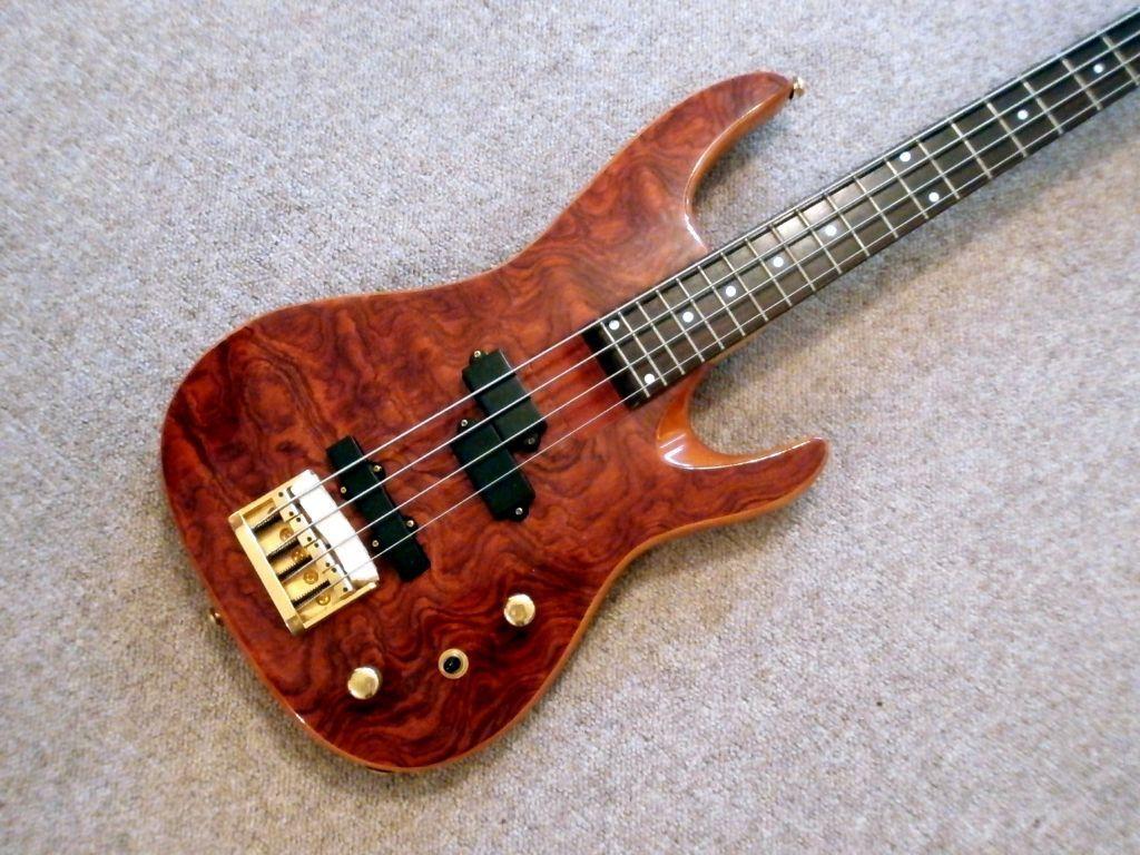 top of range samick artist series bass guitar in watford hertfordshire gumtree. Black Bedroom Furniture Sets. Home Design Ideas