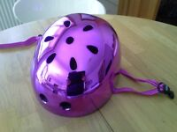 Micro Scooters safety helmet in reflective purple