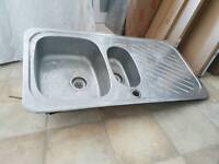 Brilliant kitchen sink with FREE TAP LIKE NEW