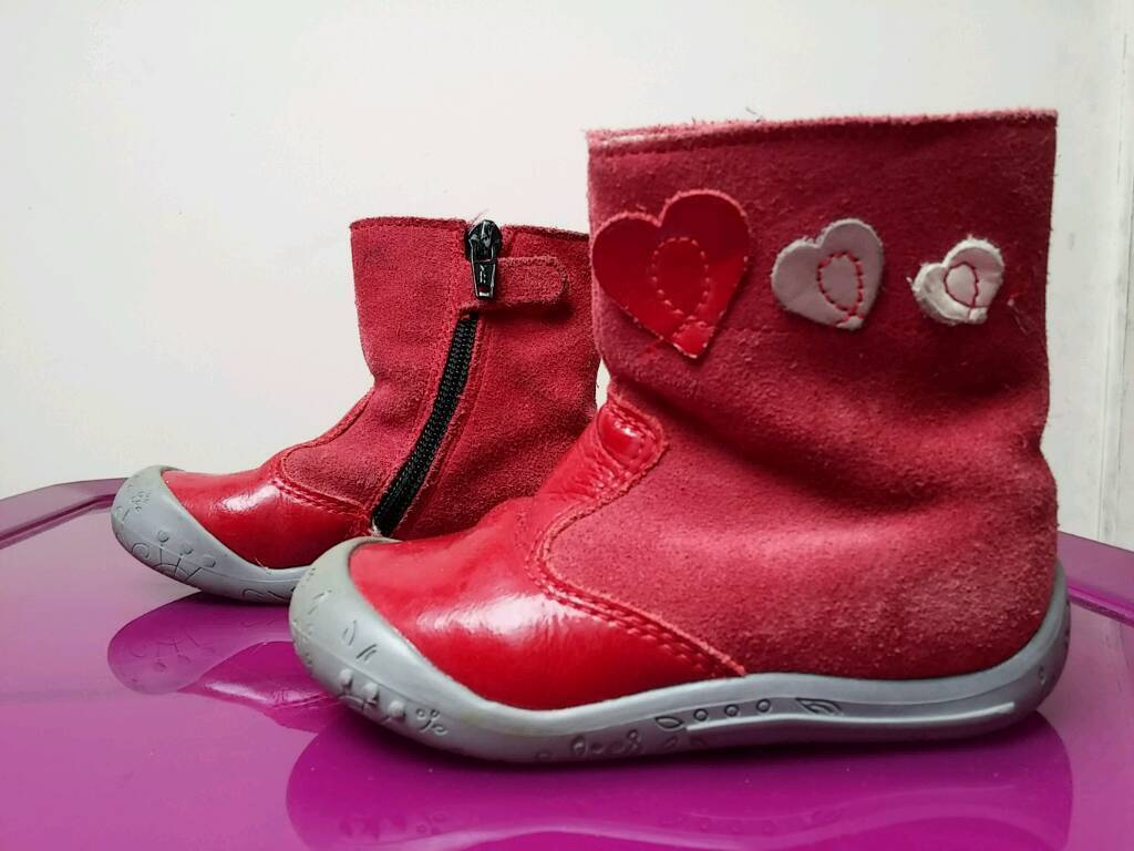 Girls red boots size 22 uk 5.5 in guc