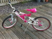 "Girls Magna Vivid 22"" wheels bike in Pink / White"