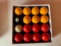 Red & Yellow Pool Ball Set