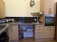 Single Room for a woman (preferable) in Smallthorne, Stoke on Trent. £80pw.