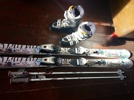 Dynastar Skis premium exclusive sensation type, silver, electric blue, black, Salomon Boots 5, poles
