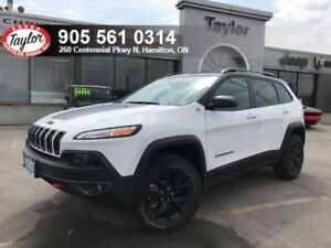 2018 Jeep Cherokee Trailhawk 4x4 V6 w/Leather Cooled Seats, Tow