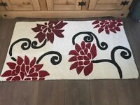 Rug for sale new red and white