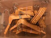 Kids wooden hangers JOBTLOTB x 100
