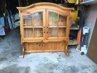 Upper display cabinet of dresser