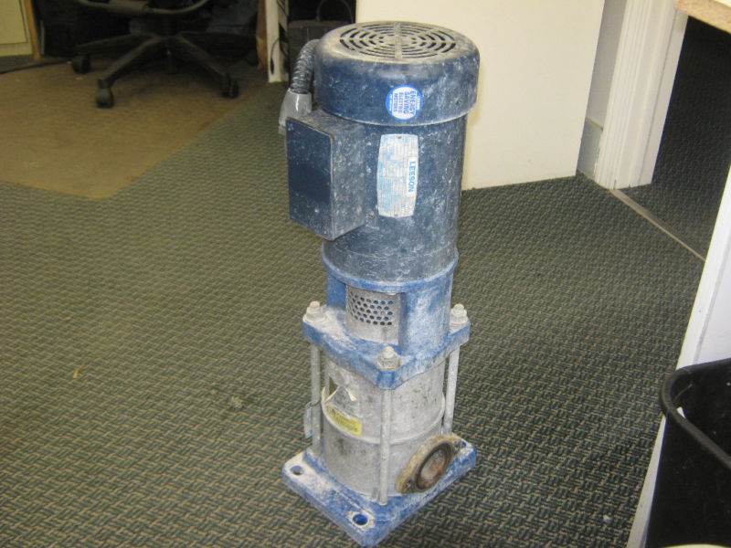 LEESON 2 HP MOTOR WITH GOULDS G & L SERIES PUMP