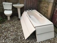 FREE Full Bathroom Suite. Free for anyone that wants to pick it up.