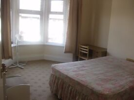 TWO BEDROOM FLAT HEART OF HEATON - FULLY FURNISHED - £525 PER MONTH