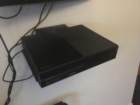 XBOX ONE 500GB + 8 GAMES + CONTROLLER
