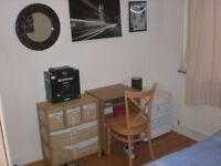 A Single room for short let only - max 3 months....