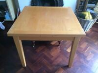 Habitat extendable dining room table