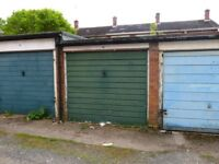 Private Garage to let