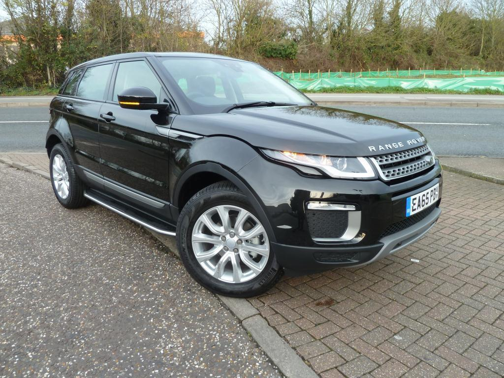 land rover range rover evoque 2 0 ed4 se 5dr 2wd black 2015 11 24 in chelmsford essex gumtree. Black Bedroom Furniture Sets. Home Design Ideas
