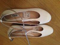 Women Clarks Shoes