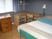 Clean, spacious double room available for single use in a large friendly family home.