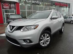 2015 Nissan Rogue SV/TOIT PANORAMIQUE/AWD/CRUISE
