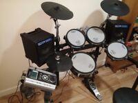 Roland TD9 kx Kv M/Head V2 drum kit + optional Cube Cm-30 Monitor speakers + Stool