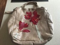 Beautiful Susanna Hunter leather floral appliqué bag