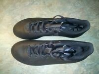 Adidas studded football boots in size 6 and in excellent condition.