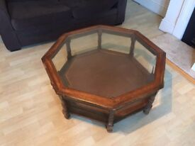 Selling my coffee table.