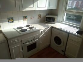 1 Bedroom flat in Shirley available today 07459223962