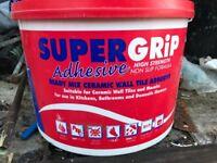 Tile adesive brand new tub