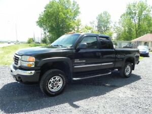 2005 GMC SIERRA 2500HD SLDuramax*DIESEL*V8 6.6L*4x4*Pick-Up*AC*