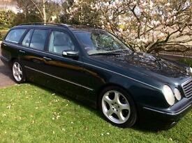 Beautiful Mercedes E320cdi Avantgarde. Seven seater.