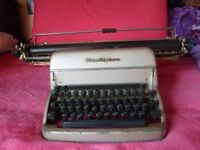 Vintage/antique Typewriter. Remington Rand SPP2-51569.