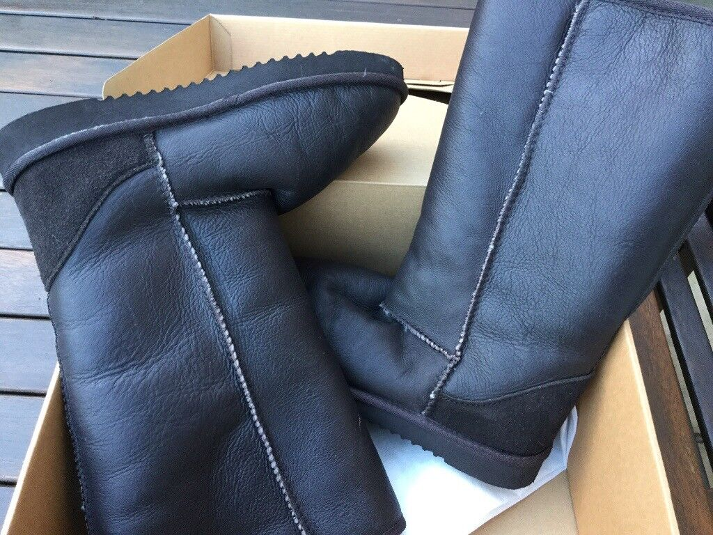 "4de9e1efb9b4 Ladies Calf Length Chocolate Brown ""Kirkland"" boots. Real Australian  sheepskin. Size 7 - 40 1 2"