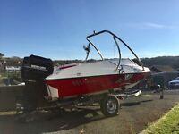 Fletcher arrowstreak 17ft ski/wakeboarding bowrider boat
