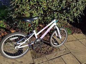 """Very Good Condition Apollo Envy Girls Hybrid Bicycle 2015 20"""" Inch Wheels Steel Frame in White Bike"""