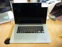 APPLE A1398 MACBOOK PRO. CORE I7. 2.3GHZ. 8GB RAM. 256GB SSD. INTEL HD GRAPHICS 4000 1024MB