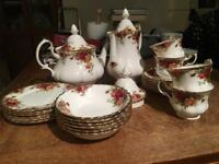 Royal Albert Old Country Roses tea / coffee set