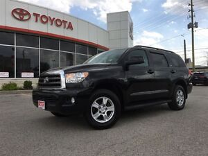 2013 Toyota Sequoia SR5 5.7L V8 LEATHER, MOONROOF