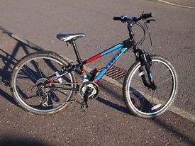 Trek MT220 Boys Mountain Bike