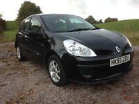 RENAULT CLIO........ 55 plate 1400cc petrol 5 door in gleaming black