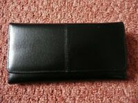 Ladies Womens Black Real Leather Bifold Purse with 8 Credit / Debit / Store Card Slots Multi Pockets