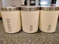 SET OF COFFEE AND TEA HOLDERS