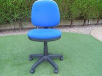 blue adjustable office or compputer chair