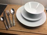 IKEA 16-piece cutlery set, 18-piece crockery set, 4 x kitchen knives, complete utensil set