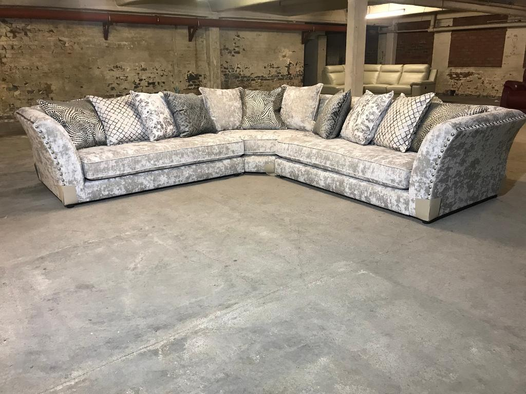 Brand New From Fabb Sofas Rendezvous Large Corner Sofa 3c3