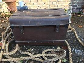 VINTAGE TRUNK CHEST FREE DELIVERY STORAGE BOX COFFEE TABLE LARGE