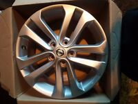 Nissan Juke Alloys Set of 4 17inch 5 Stud D03001KK2A