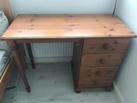 Pine / natural vanity table / dresser with 4 drawers